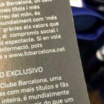 La camiseta oficial del Barça se vende etiquetada en 6 idiomas, pero no en español.